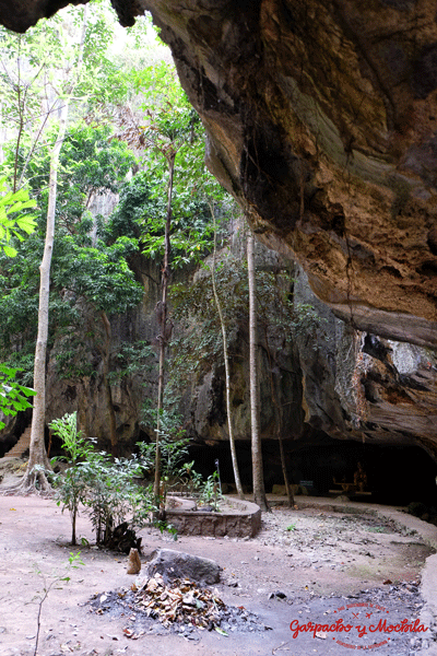 Kampong Trach Cave
